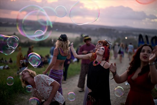 Woodfordia ritual bubbles