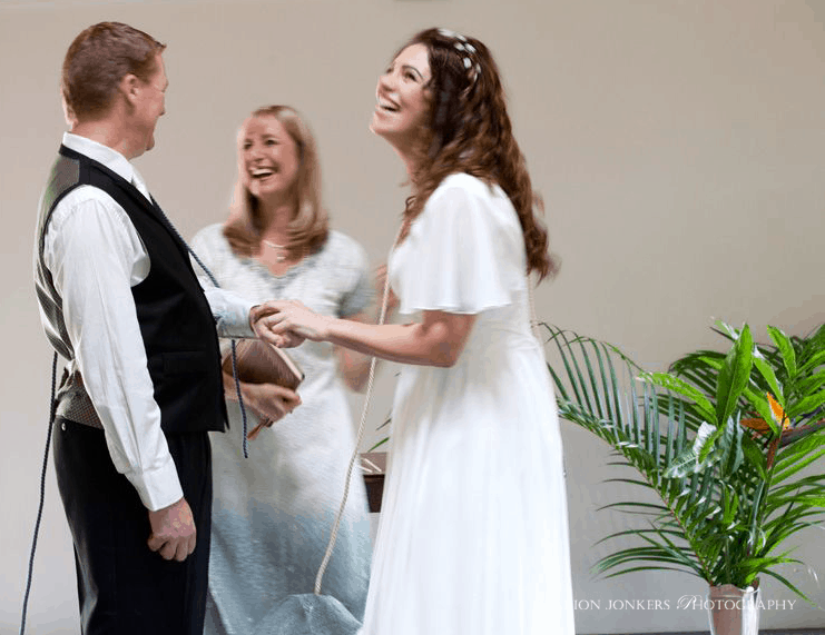 Handfasting or tie the knot